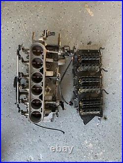 2000 Yamaha outboard Z200TXRY 2 stroke 200hp HPDI intake manifold 65L-13610-01-0