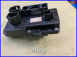 Yamaha Fuse Box 68F-82170-01-00 for Z150 HpDI 2000-2003 model outboards. Used /
